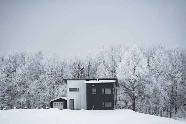 Modern home on private lake close to Cuyuna.