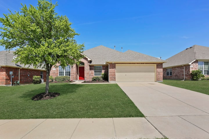 Remodeled Home in Little Elm/Frisco/Prosper Area