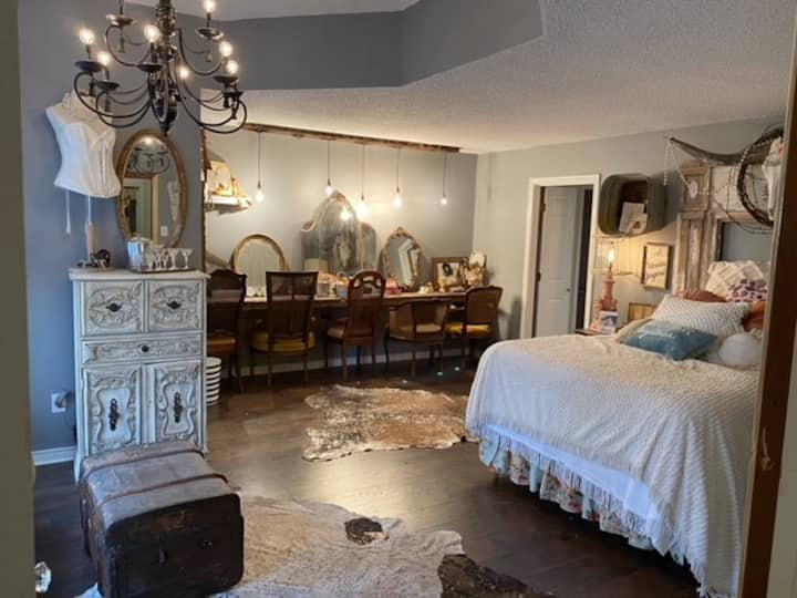 The Cristal Suite at Champagne Ranch
