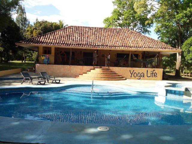 YOGA LIFE HOME