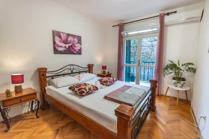 Stylish apartment in the heart of Boka bay
