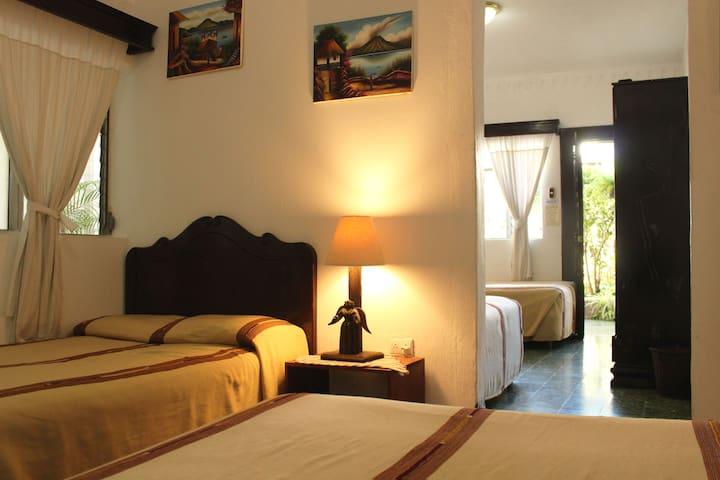 Four Single Beds En-Suite in Heart of Antigua