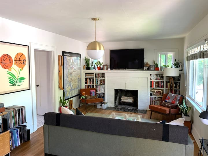 Cozy room Curated Mississippi Av home NO CLEAN FEE