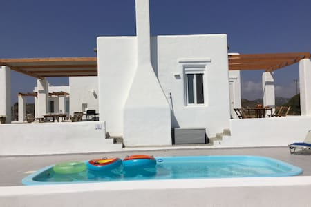 Sea Breeze Villa: Brand new! Beach, Pool, Privacy - Rodos - Casa de camp