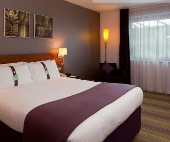 Essential Travel Only: Fivestar Room Standard At Norwich