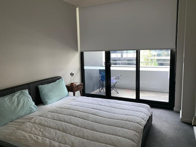 Private room in Wentworth Point