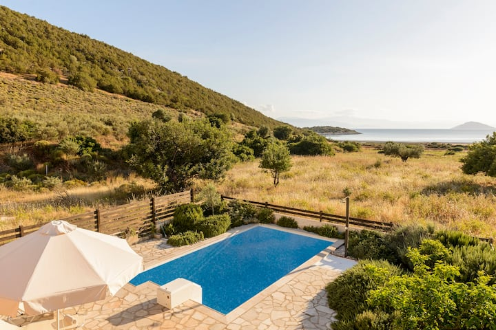Porto Aqua Vista - Premium Seaside Villa w/ pool