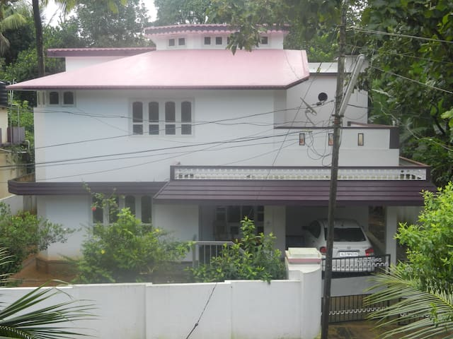Independent house in Mavelikara, Allapuzha.