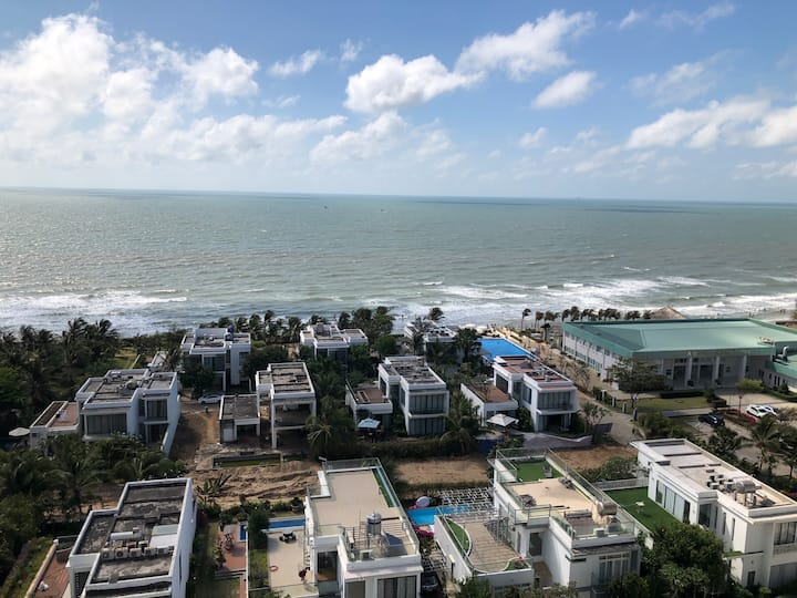 2BR apartment in Vung Tau right on private beach