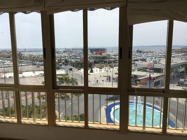 Piso amplio para vacaciones frente al mar / puerto - Santa Pola - Apartment