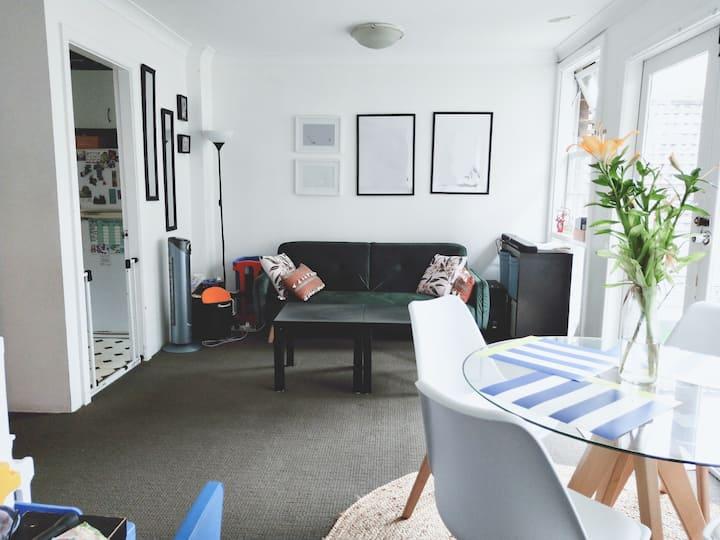 Cosy Room in Surry Hills