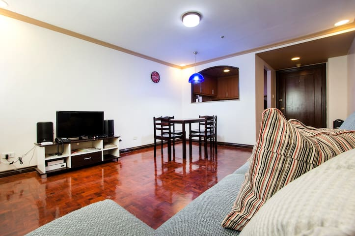Spacious 1 Br Condo at Makati City - Makati