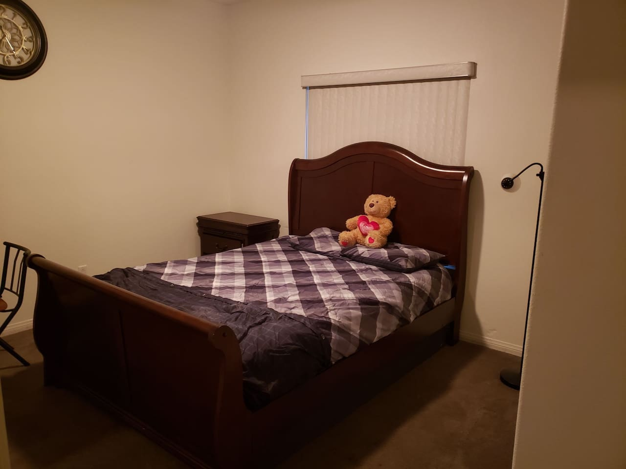You will love this super comfortable bed!  Better than ANY bed in ANY Palm Spring Hotel!  $3500 mattress, memory foam