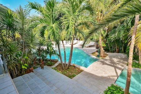Pretty Naturist colonial suite of 30m2 with access from the tropical garden - Saint-Martin