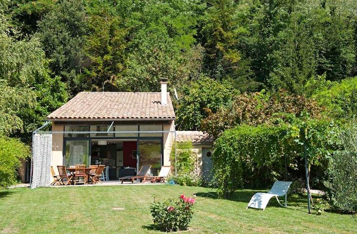 Maison individuelle, beau jardin, Drôme provençale - Vinsobres - Hus