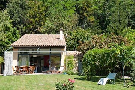 Maison individuelle, beau jardin, Drôme provençale - Vinsobres