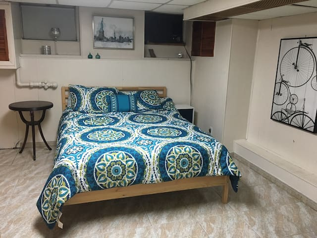 Private Comfy 2 Room Apt, 23min to Manhattan