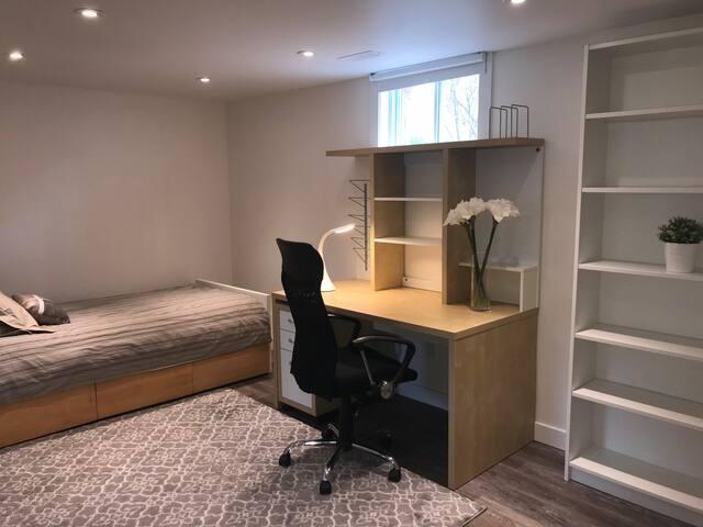 Modern Look-Freshly Renovated-All You Need Bedroom