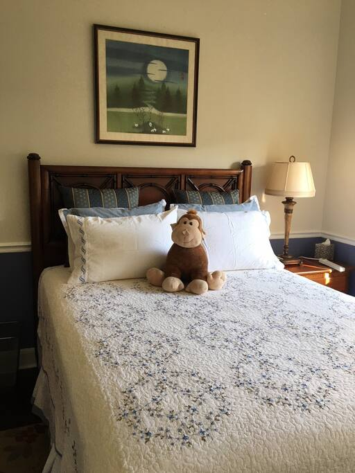 Front View Guest Room Queen Bed