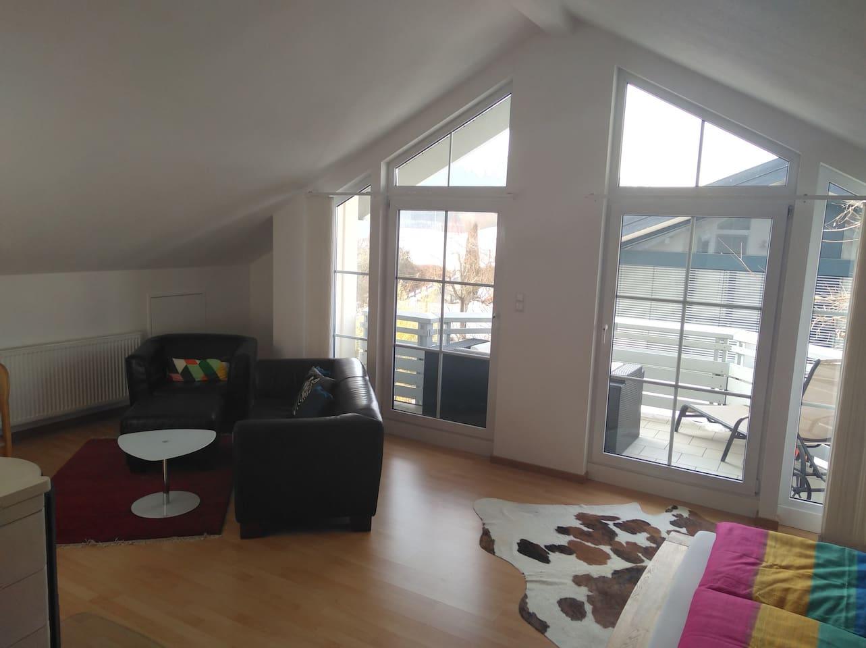 privat 861 sq ft flat, central in Haag i.OB