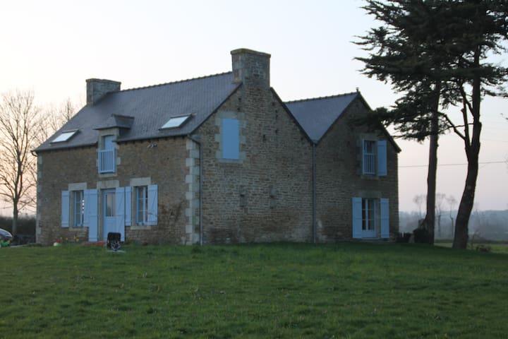 Grande maison pres de Dinan