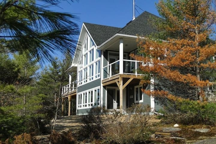 Muskoka Waterfront Riverstone Cottage