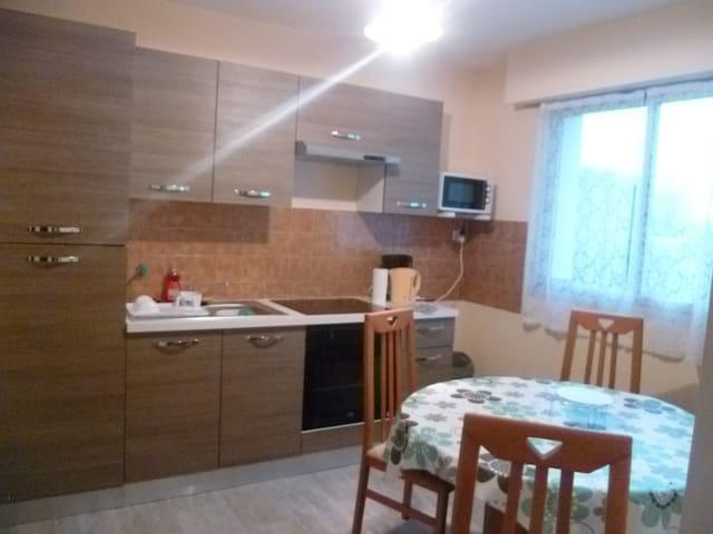 A 5 mn de Roscoff (Saint-Pol-de-Léon) appartement
