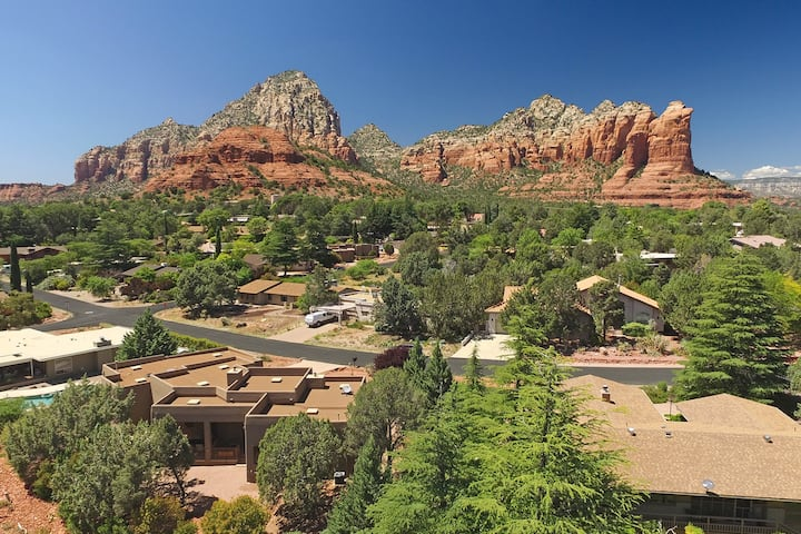 Beautiful Home Located in the Heart of West Sedona! Great Furnishings! Views!! Flaming Arrow - S104
