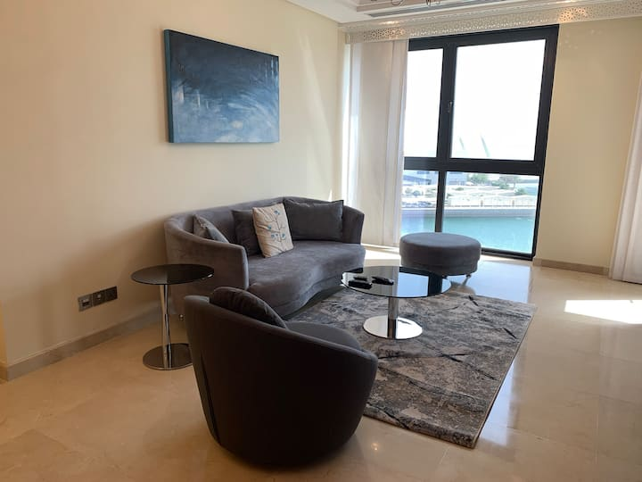 Grand One Bedroom with Sea View