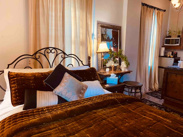 Romantic Copper ROOM in St. Croix Falls