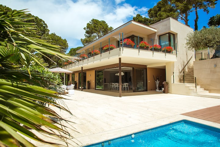Luxury villa in Tossa de Mar with private beach