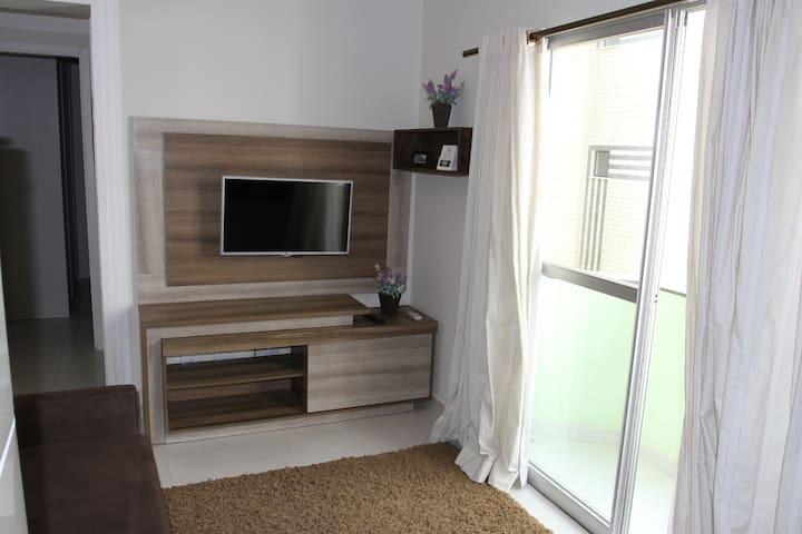 Lindo apartamento de 1 dormitório, quadra do mar!