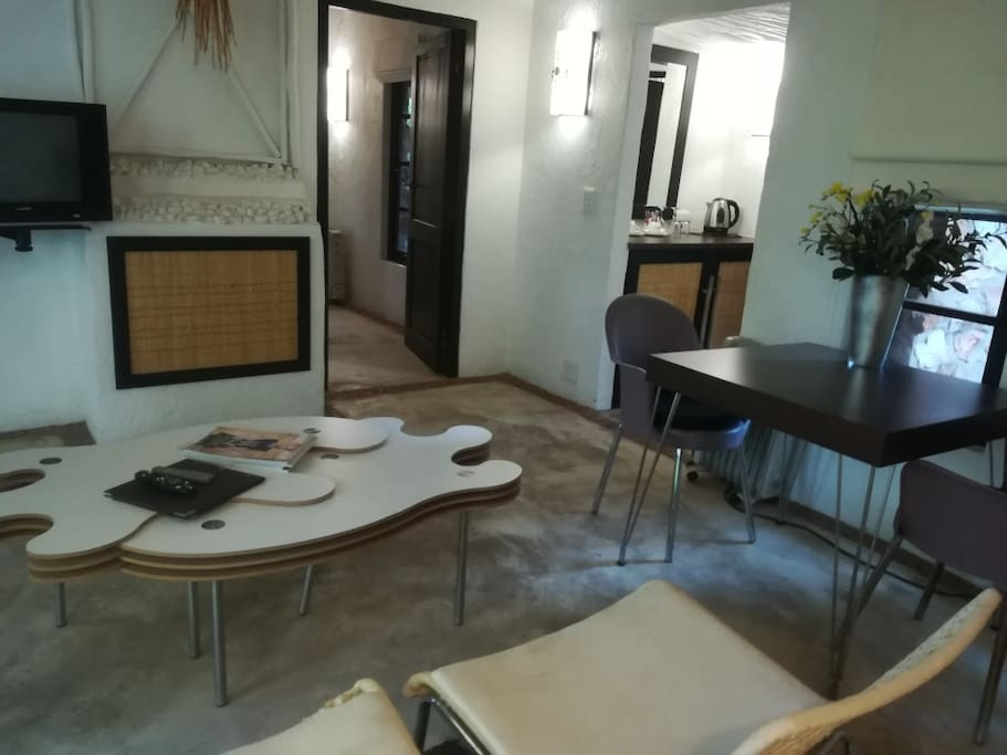 Lounge Studio 12
