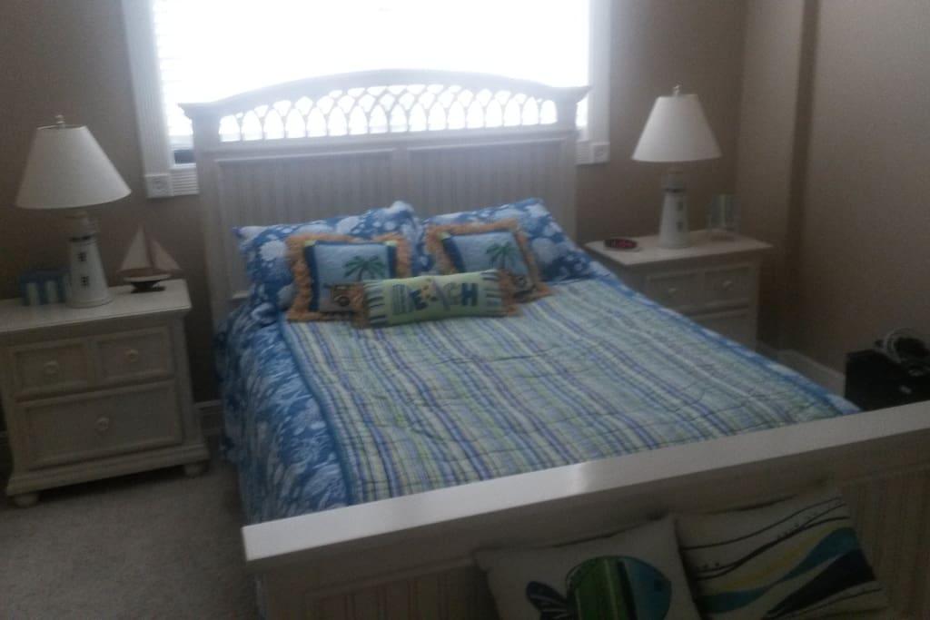 second bedroom queen bed