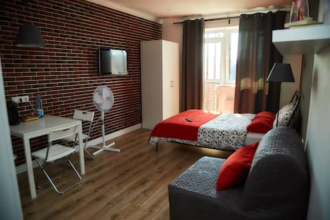 Квартира-студия с дизайнерским ремонтом