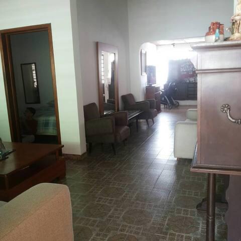 Naguanagua Casa grande,ideal para familia grande.