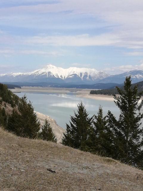 Lake Koocanusa  Family Retreat Dog Friendly