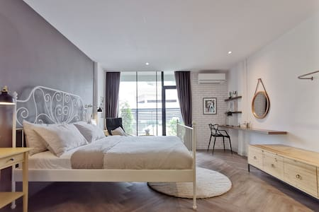 CuteCocoon3—Home in the Lively Heart of Bangkok