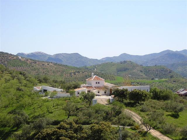 Beautiful large cottage house - Cortijo Coronado - Riogordo - Hus