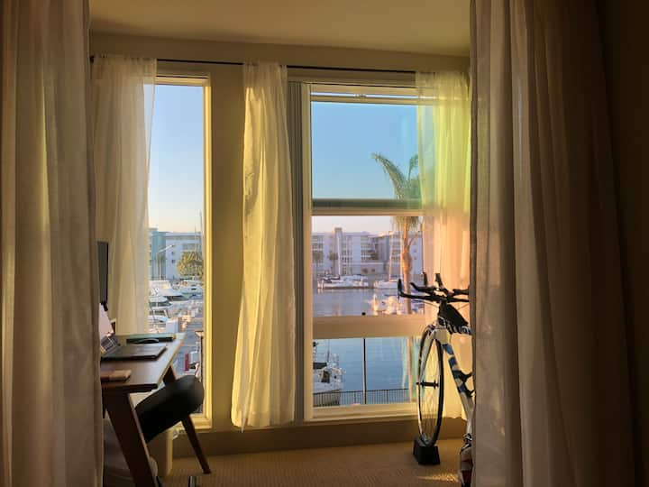 Marina View Entire Boutique Apartment