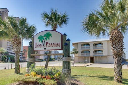 Lakeview condo with shared pool, just steps from the beach!