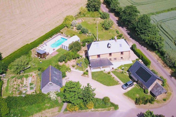 Maison en Normandie avec piscine.