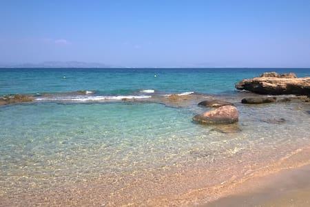 Aegina Sea Breeze Vacation Villa - Vagia - Dům