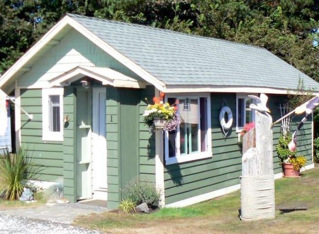 """Cottage 1 """"Garden Cottage"""""""