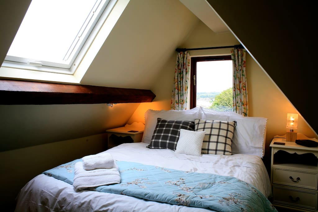 Double bedroom with fabulous views.