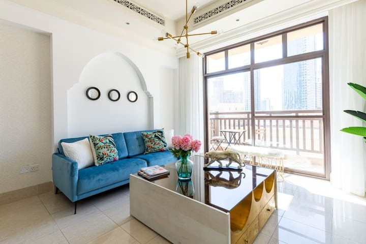 Lavish & Enchanting 1BR situated in Souk Al Bahar, Downtown Dubai