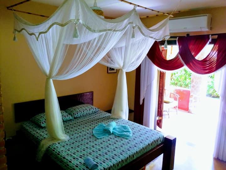 Pousada Bali Suites Itamambuca - Duplo com Varanda