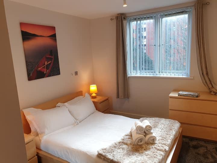 Birmingham Ruby, 2 bedroom Apt ,sleeps 6 Guest