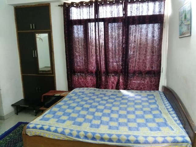 Veg Homestay - Foreigner female guests only