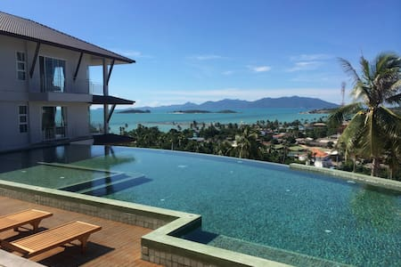 The Bay Panoramic Studio, Balcony, Pool & Gym. - サムイ島 - アパート